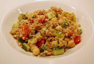 ensalada de trigo burgol con vegetales
