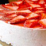 Tarta de yogur y fresas 3