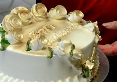 decora una tarta de cumpeaños en 5 minutos