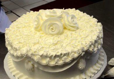 decora-una-tarta-de-bodas-en-3-minutos