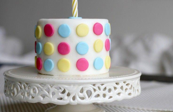 como-decorar-una-tarta-con-fondant