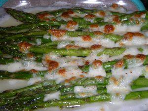 esparragos-gratinados-con-mozzarella