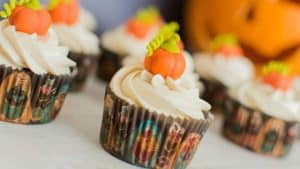 como-hacer-cupcakes-de-calabaza-para-halloween