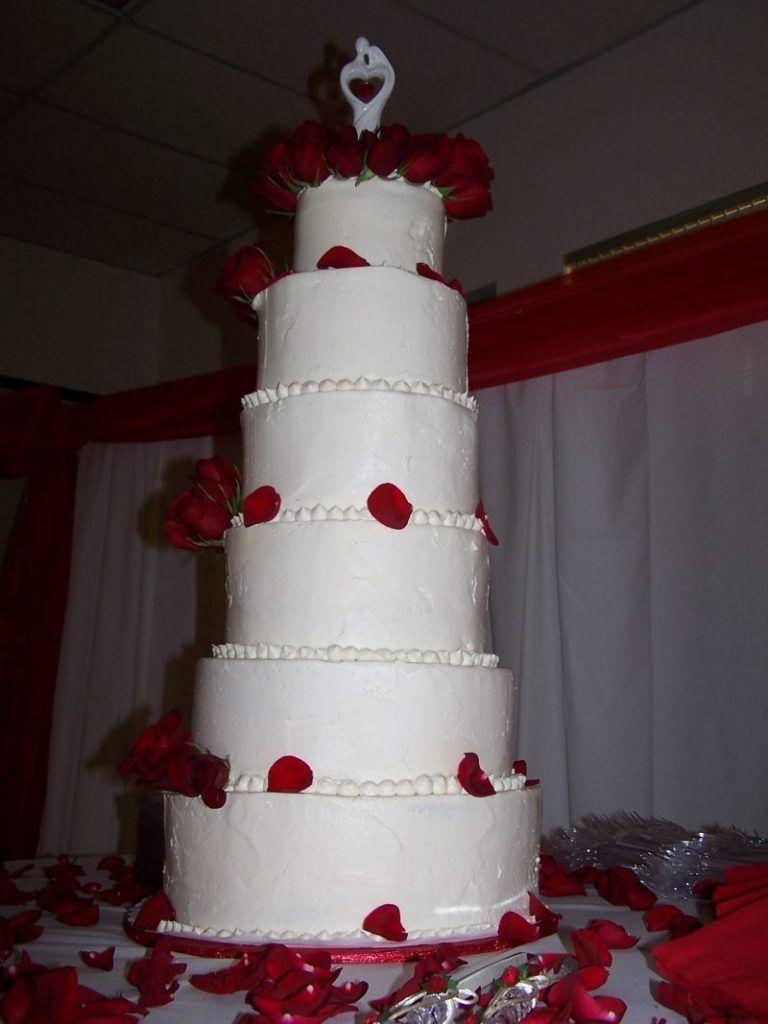 5-tartas-de-boda-muy-altas-te-van-a-gustar-2