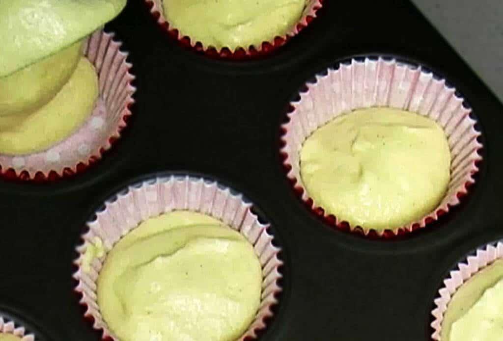 como-hacer-bizcocho-para-cupcakes