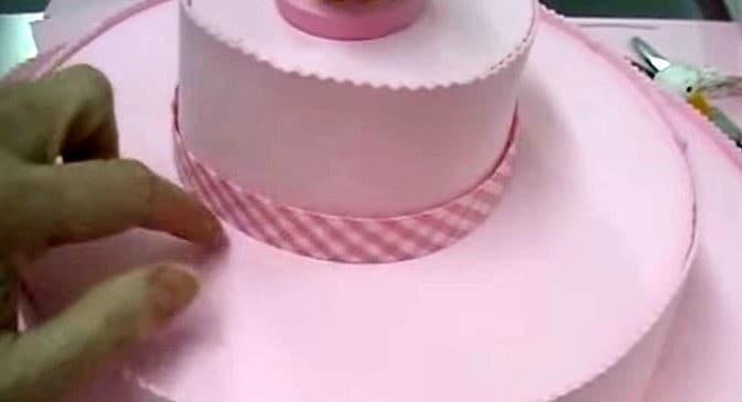 como-hacer-un-stand-o-soporte-para-tus-cupcakes