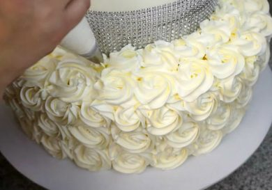 como-hacer-una-tarta-de-cumpleanos-de-quince-o-de-bodas