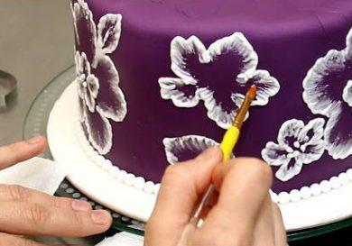 como-dibujar-y-pintar-a-mano-sobre-fondant