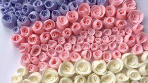 como-hacer-rosas-con-glasa-real