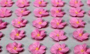 como-hacer-flores-de-cerezo-con-glase