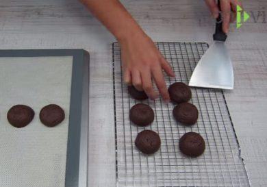 como-hacer-galletas-de-chocolate-rellenas-de-nutella