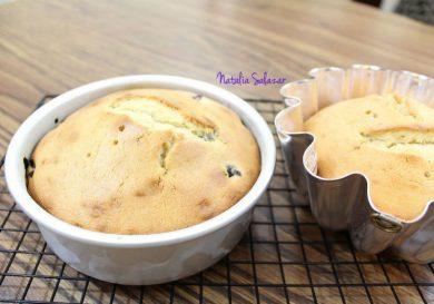 como-hacer-una-torta-facilisima-de-vainilla-y-arandanos