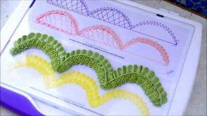 uso-de-boquillas-como-hacer-guirnaldas-zigzag-con-cordones
