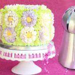 decora-una-torta-con-boquillas-rusas-y-le-queda-preciosa
