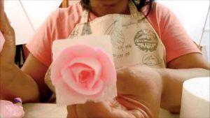 como-hacer-rosas-perfectas-en-glase-real-muy-bien-explicado