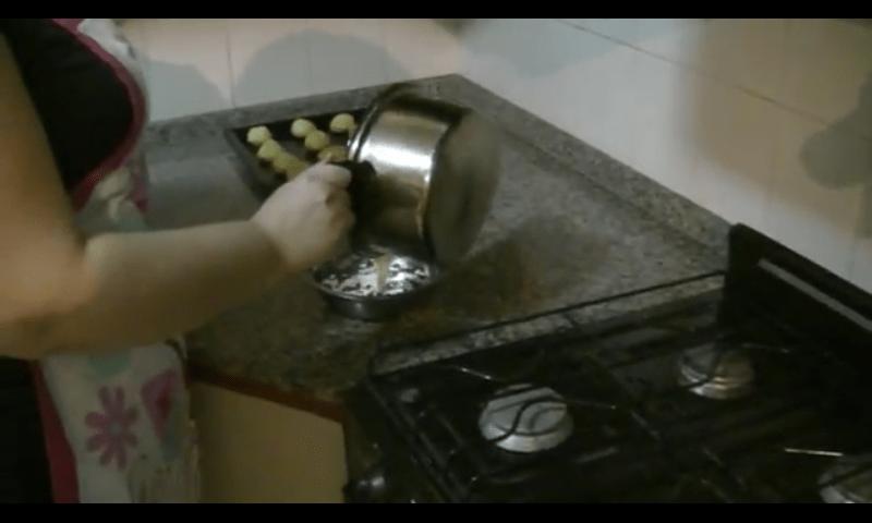 Profiteroles rellenos de crema pastelera ganache 2