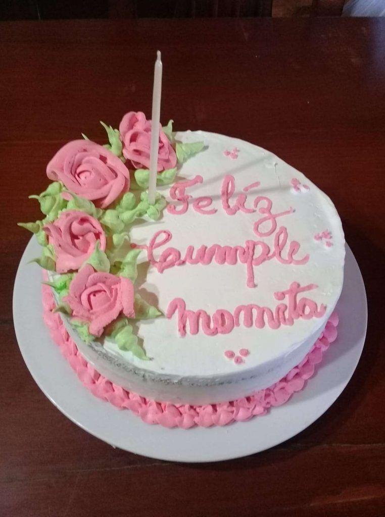 Torta de cumpleaños con crema chantilly por Eli Racca