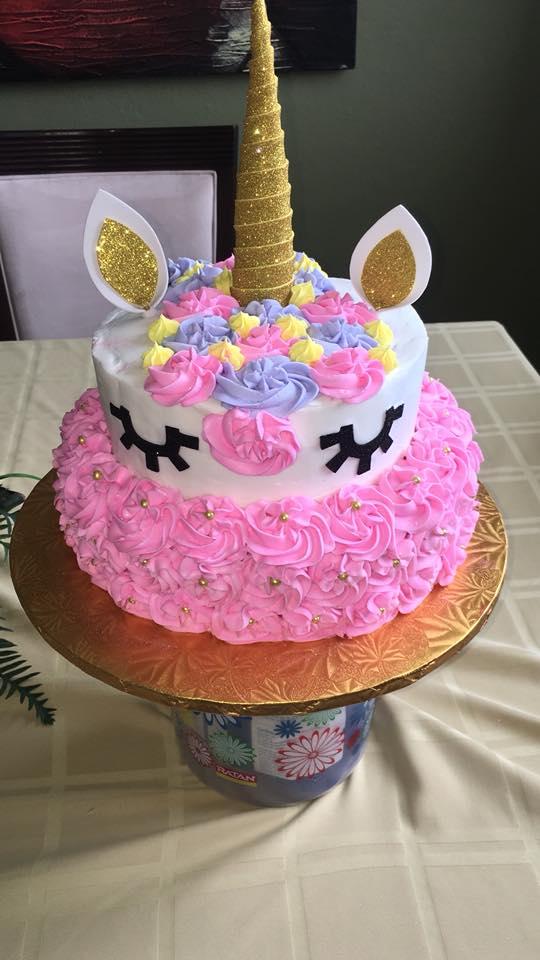 Torta unicornio por Migdalia Ortiz García