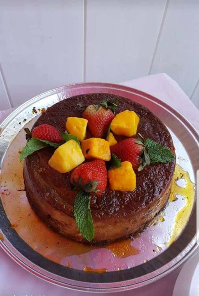 Budín de pan con cobertura de frutas frescas por Elsie