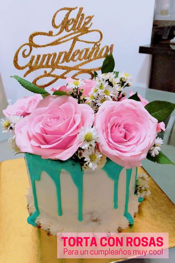 Torta de cumpleaños con flores para mujer por Marbel López Mendoza