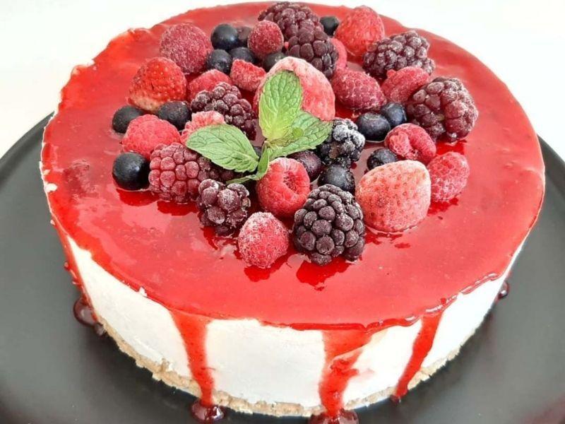 Torta de frutos rojos