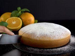 Bizcochuelo de naranja con aceite y harina leudante